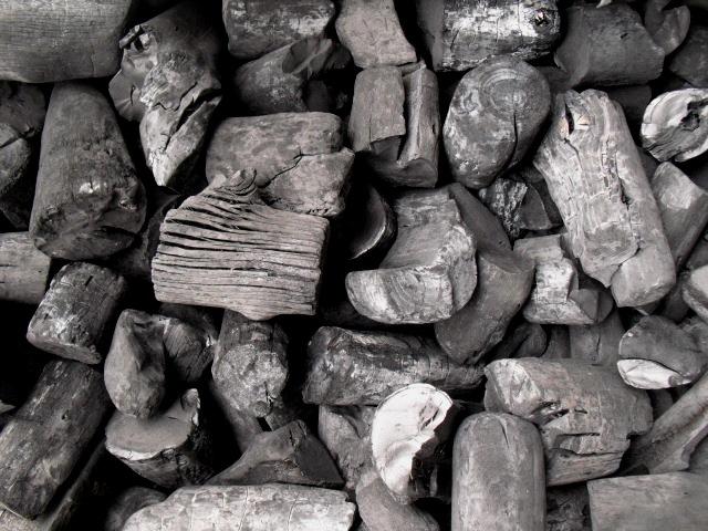 業務用・焼料理用炭暖房用炭茶道用炭土壌改良・水質浄化調湿炭その他器具特価商品木炭の種類燃料以外の使い方木炭のできるまで注文フォームの場合